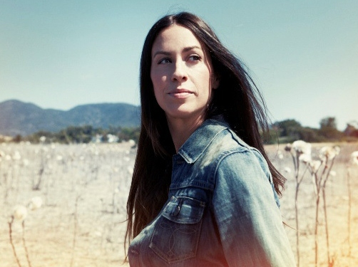 Alanis Morissette to Play Israeli Concert Despite Protests