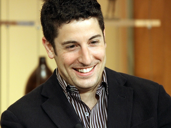 Jason Biggs Makes Vulgar Suggestion to Pope Via Twitter