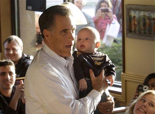 Romney Tries to Regain Momentum in Delegate-rich Illinois