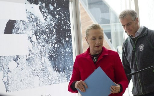 Clinton in Arctic to see impact of climate change