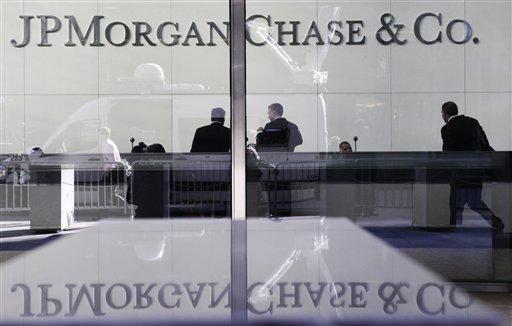 Moody's Lowers Credit Rating of Big Banks