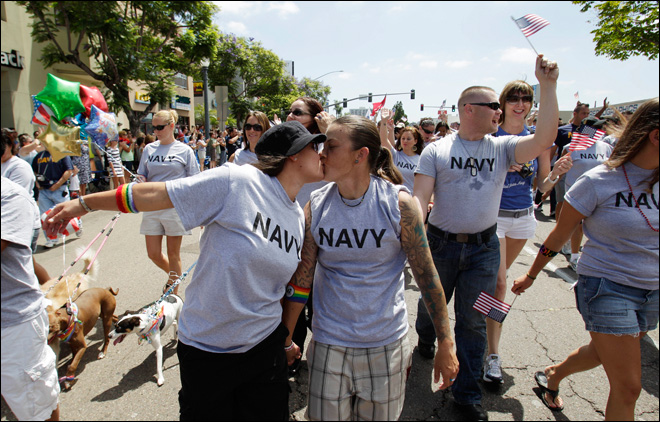 Military Now Appearing in Uniform in Gay Pride Parade