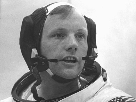 Neil Armstrong, First Man on the Moon, Dies at 82