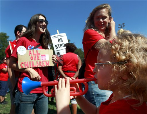 Chicago teachers union to continue strike