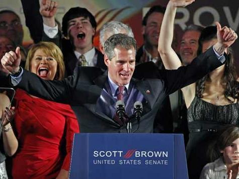 Poll: Brown Leads Warren by Four in MA Senate Race