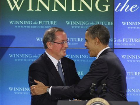 Romney Campaigns With CEO on Obama Jobs Council