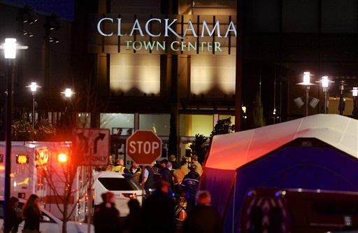 Gunman Opens Fire at Oregon Mall; Suspect, 2 Dead
