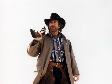 Dallas Woman Whines About Gun-Toting Chuck Norris Cutout at Mall
