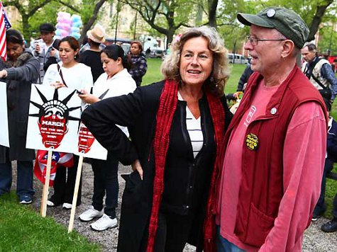 At May Day Chicago, Mainstream Left No Longer Distanced from Radicals