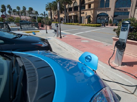 Obama Admin Gives Green Company $100M to Build Charging Stations for Electric Cars