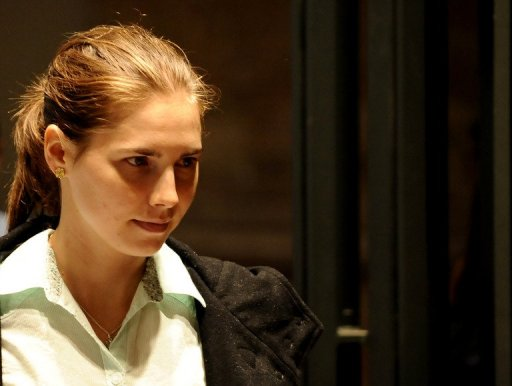 Court Orders New Trial for Amanda Knox
