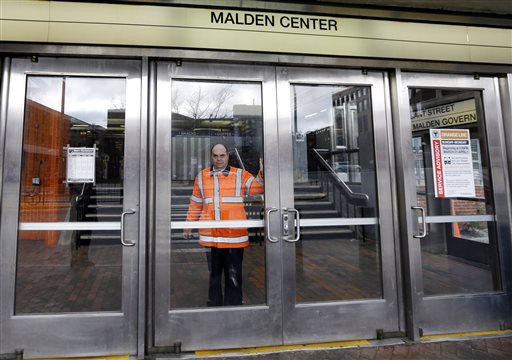 Boston Travel: Trains, Buses Halted, Planes Flying