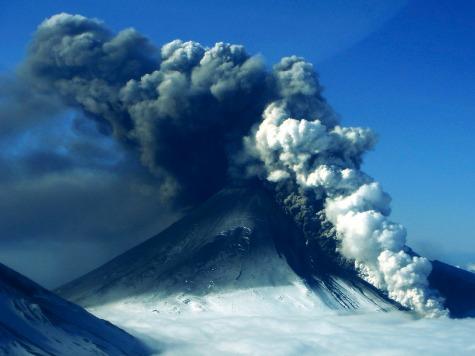 Alaska Volcano Shoots Lava up Hundreds of Feet