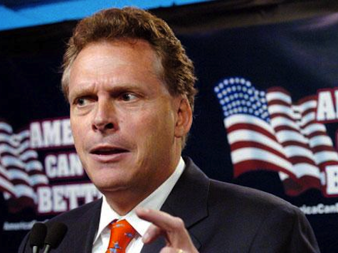 Dem VA Gov Candidate McAuliffe: My Dad Died Because of Bush