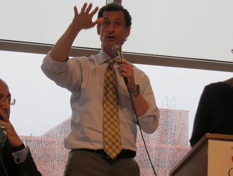Weiner Stands Up Repeatedly at Mayoral Debate