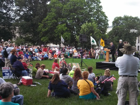 Live Blog: Tea Party's IRS, Immigration Rallies