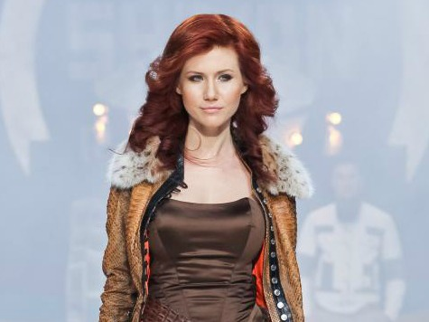 Russian Spy Anna Chapman to NSA Leaker: Marry Me