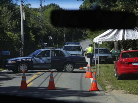 Obama's Martha's Vineyard Vaca Blocking Roads, Costing Businesses Thousands