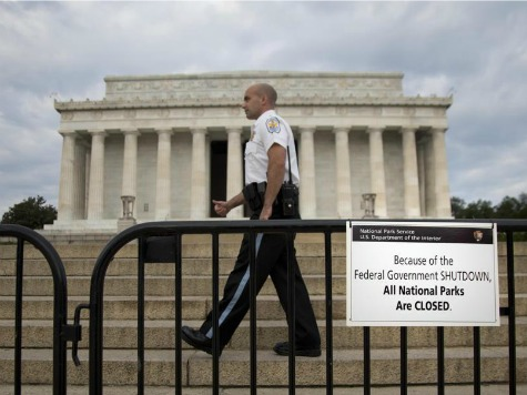 Protesters Who Moved Lincoln Memorial 'Barrycades' Removed by Park Police