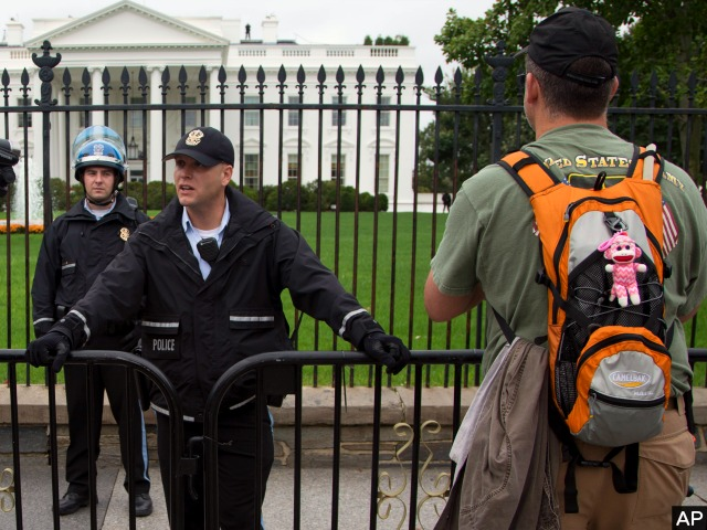 Riot Police Obstruct Veterans Protesting at World War II Memorial