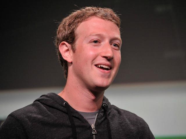 Zuckerberg Defends Obamacare Website