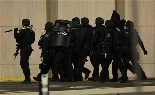 Manhunt for NJ Mall Shooting Suspect