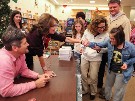 O Little Town of Bethlehem: Overflow Crowd Extends Palin Signing for Hours