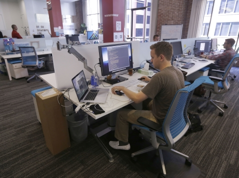 Office Workers Prefer Office Walls, Not Open Offices