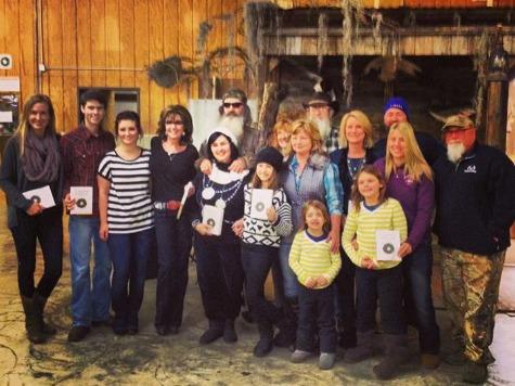 'Duck Dynasty' Family Hosts Sarah Palin in Louisiana