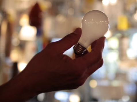 Loophole Allows Company to Make, Sell Incandescent Light Bulbs After 2014