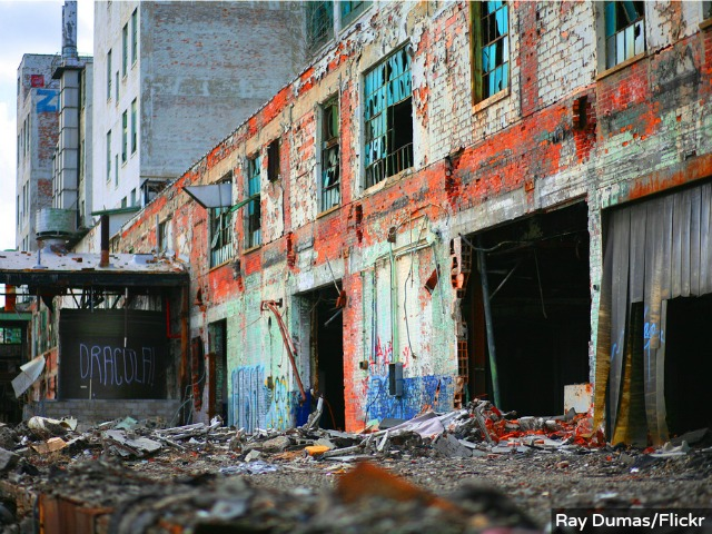 Detroit Demise Spurs Tourist Attraction of 'Ruin Porn'