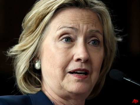 Report: Hillary Clinton Meets with Husband's 'Diet Guru' to Prepare for 2016 Run