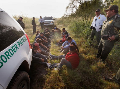 Obama Admin: Just A 'Few Hundred' Illegal Immigrants Released, Real Number 2,000