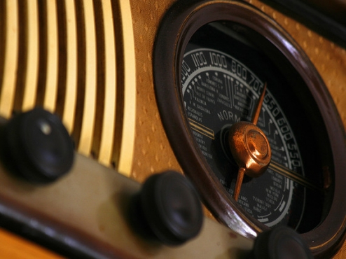 Recording Industry Battles Online Radio
