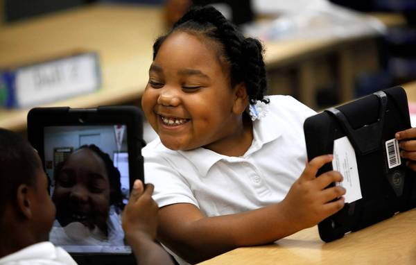 Despite Cost Overruns, LAUSD Shuts Down iPad Watchdog Committee