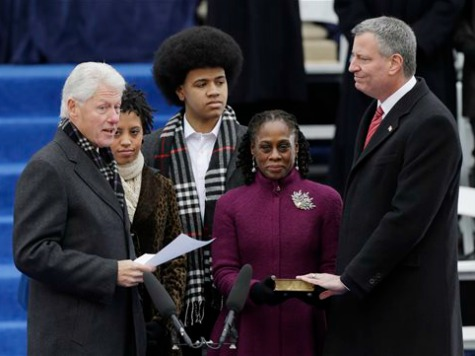 De Blasio's Mayoral Victory Rekindles Ties to the Clintons