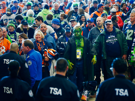 Commuter Chaos for Fans at 2014 Super Bowl