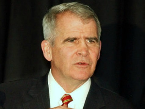 Oliver North to CPAC: Obama 'Draws Phony Red Lines with a Pink Crayon'