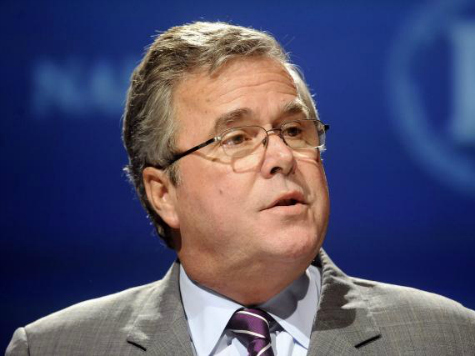 Jeb Bush Praises Illegal Immigrants as 'Risk Takers,' Defends Common Core