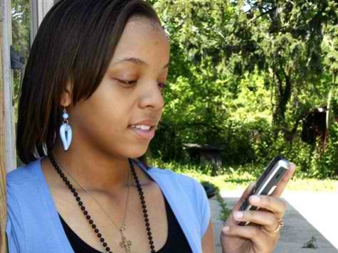 Rhode Island Instructs Moms to Use Hook-Up App to 'Nag' Kids into Obamacare Enrollment