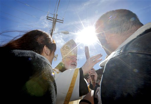 Bishops Celebrate Mass Along Mexico Border