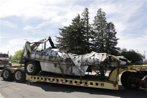 Claim: FedEx Truck on Fire Before Crash, Didn't Break