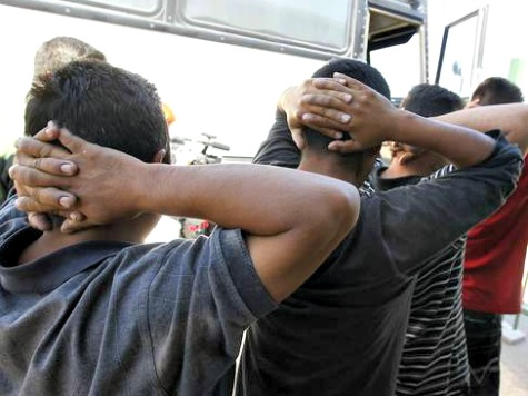 Illegal Immigrants Intentionally Surrendering to Border Patrol to Gain Entry to US