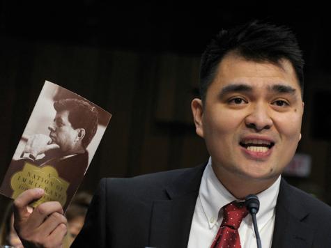 Illegal Immigrant Activist Jose Antonio Vargas: American Flag Closer to Recognizing Me