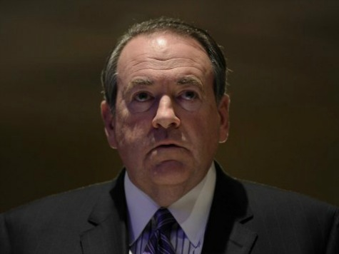 Mike Huckabee Fans Revolt After He Endorses Lamar Alexander
