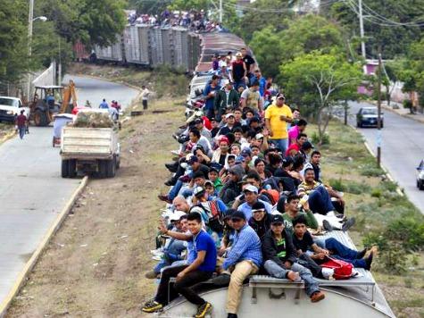 Huffington Post: 'No Evidence' Obama Amnesty Responsible for Border Crisis
