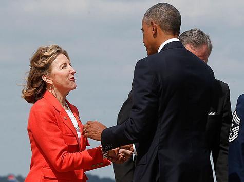 Kay Hagan Greets President Obama Warmly On His Arrival in North Carolina