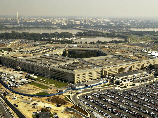Ebola Scare Hits Pentagon, Parking Lot Cordoned Off