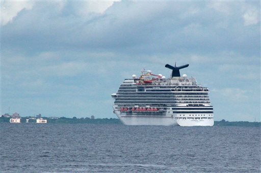 Cruise Ship Finally Docks, Health Worker Tests Negative for Ebola