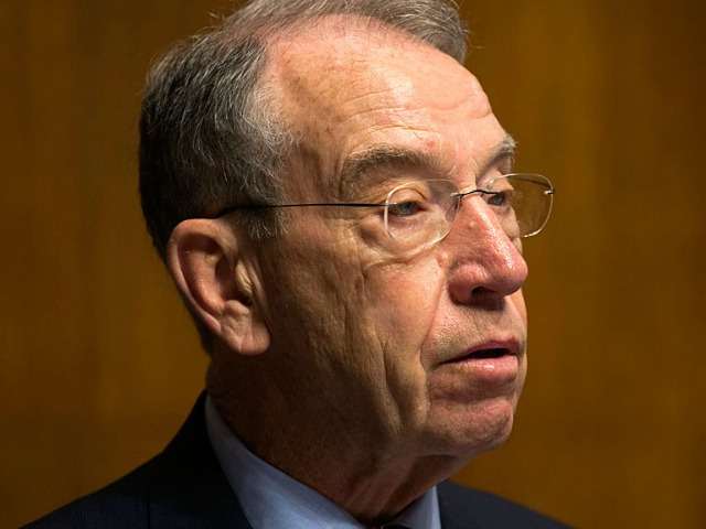 Chuck Grassley: Obama Admin 'Surge' of Immigrant IDs 'Suspect and Alarming'